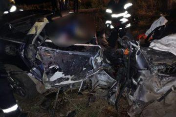 Tragedie la Secuieni: accident cu cinci victime. Două persoane au murit. Mașina este un morman de fiare