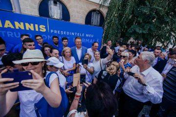 Motivele pentru care românii semnează în număr mare pentru candidatura lui Iohannis