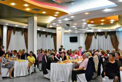 Pensionarii organizațiilor din Roman se vor distra și anul acesta, de ziua lor, cu bani din bugetul local