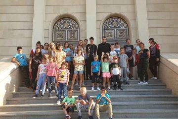 Copiii de la Centrul Familia Mea au participat la un pelerinaj organizat de Parohia Adormirea Maicii Domnului Roman