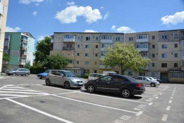 Locuri de parcare, nou amenajate, scoase la licitație de administrația locală