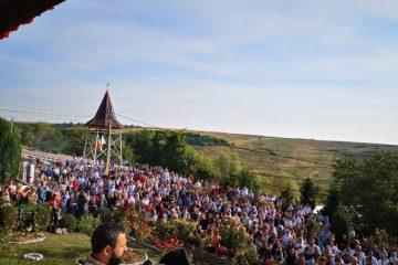 Pelerini din toate colțurile țării au fost prezenți la hramul Mănăstirii Giurgeni, în zi de sărbătoare