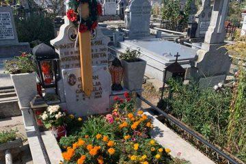 """Mesaj disperat: """"Se fură totul de la mormintele din Cimitirul Eternitatea Roman!"""" Răspuns: """"Momentan, avem un singur paznic!"""""""