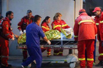 Ambulanța – intervenții: O femeie din Chilii – Valea Ursului și-a dat foc. A fost dusă de urgență la Iași