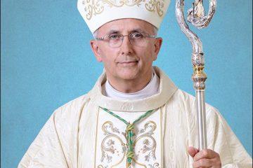 La mulţi ani, PS Iosif Păuleţ! Episcopul de Iaşi s-a născut la 17 octombrie 1954, la Tămăşeni