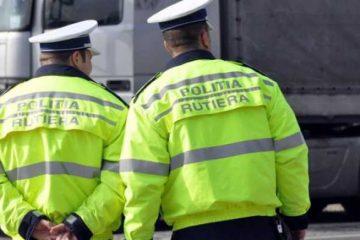 A oferit mită 1250 lei la doi polițiști rutieri din Neamț ca să nu-i întocmească dosar penal