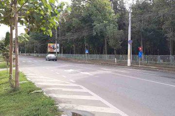 Au început lucrările de modernizare a trotuarelor de pe strada Mihai Viteazu, din Roman