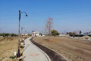 Parcul Jora, din Roman, trebuia terminat luna aceasta. Realitatea este…la jumătate! Motivul…