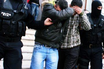 Percheziții în Neamț într-un dosar de pornografie infantilă și șantaj: doi tineri au fost reținuți