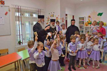 """Binecuvântare pentru copiii și angajații Fundației """"Episcop Melchisedec"""""""
