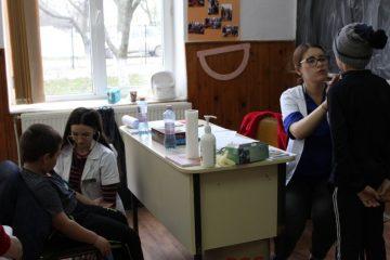 Eveniment medical: peste 160 de copii din parohia Valea Ursului au beneficiat de consultații medicale gratuite