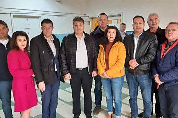 Echipa PNL Roman a donat sânge pentru profesorul Șerban Marcel. Un gest mărunt dar care salvează vieți!