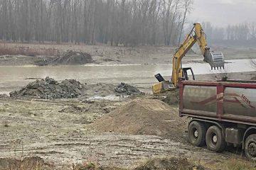 Criza apei la Roman: Mobilizare deosebită pentru efectuarea lucrărilor la albia Moldovei