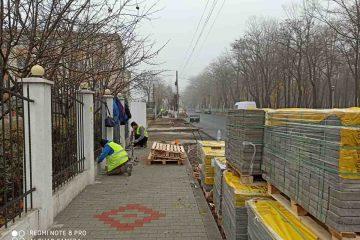 Au început lucrările la trotuarele de pe str. Mihai Viteazu
