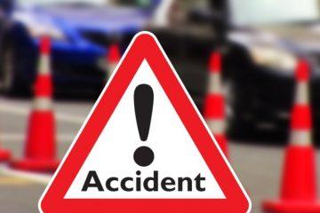 Accident rutier în giratoriul de la intrarea în Roman Value Centre, str. M. Viteazu. O femeie a fost rănită