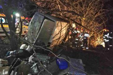 Tragedie înainte de Crăciun. Accident rutier foarte grav. Au murit înainte de a ajunge acasă. Microbuzul venea de la Londra