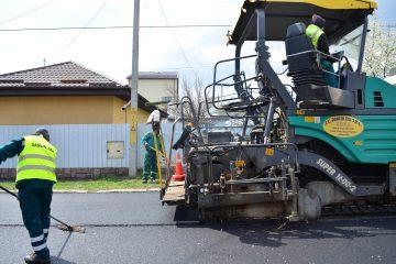 Lucrări de decembrie: asfaltări pe mai multe străzi din Roman