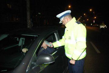"""Neamț: șoferii beau din ce în ce mai """"puțin"""". Depistați, la volan, cu peste 1,22 mg/l alcool pur în aerul expirat"""