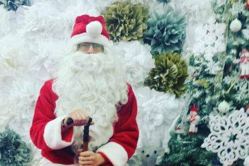 I-ați scris lui Moș Crăciun? Vino să îți iei cadourile, la Carrefour Roman. Moș Crăciun vine special pentru tine!
