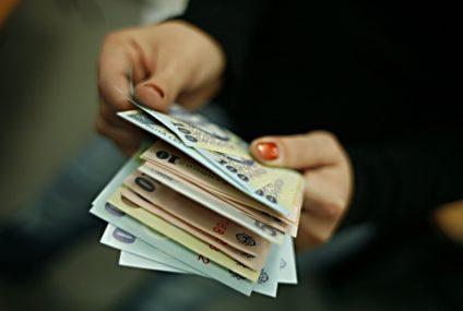 Locuri de muncă noi, anunțate de firmele din zona Roman și Piatra Neamț; se oferă salarii motivante și alte avantaje