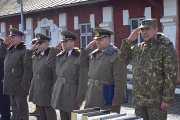 """Ceremonial la trecerea în rezervă a cadrelor militare, la comandamentului Bazei 3 Logistică """"Zargidava"""" Roman"""