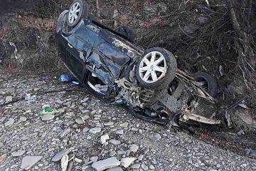 Astăzi, în Neamț: accident rutier cu trei victime. Șoferul a adormit la volan