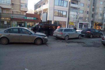 Accident rutier cu trei autoturisme implicate, astăzi, în Neamț