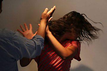 După o mică distracție cu alcool, un romașcan s-a supărat pe concubină și a bătut-o. Polițiștii l-au reținut