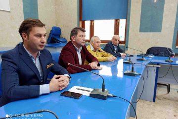"""George Lazăr: """"Este o nesimțire și o bătaie de joc față de romașcani modul cum gestionează APASERV furnizarea apei, la Roman!"""""""
