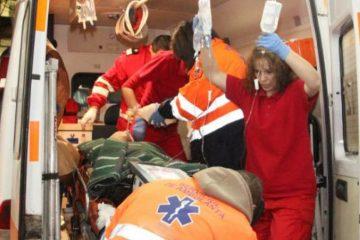 Femeie înjunghiată, salvată de medicii Spitalului Roman