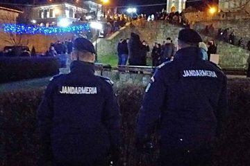 Jandarmii nemțeni au intervenit în scandaluri, bătăi între cetele de urători și amenințări cu acte de violență