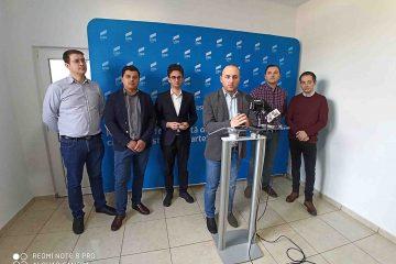 Președintele USR Roman Radu Samson, susținut de deputatul Iulian Bulai, și-a anunțat candidatura pentru Primăria Roman
