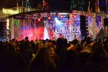Foto: Romașcanii au sărbătorit Revelionul 2020 în Piața Roman Vodă. La mulți ani, oriunde vă aflați!