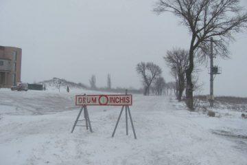 Video – Viscol în Neamț: drumul DN 12C este închis circulației