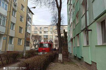 Astăzi, în Roman: Incendiu provocat de copii, într-un apartament, pe Fdt. Crizantemelor