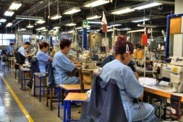 Locuri de muncă noi, la firmele din Piatra Neamț și Roman. Angajatorii oferă salarii motivante, tichete de masă și alte avantaje