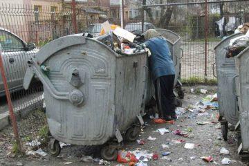 La Roman: primele amenzi la căutătorii în gunoaie. Acțiunea va continua