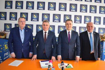 Ministrul Transporturilor Lucian Bode: Toate proiectele de infrastructură rutieră din Neamț vor fi finalizate