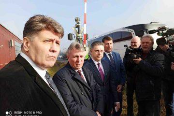 În 10 minute, ministrul Transporturilor a găsit soluția pentru reabilitarea trecerii la nivel cu calea ferată, de la ieșirea din Roman