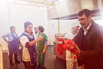 Astăzi, un secretar de stat a făcut o surpriză doamnelor și domnișoarelor din cadrul Spitalului Roman