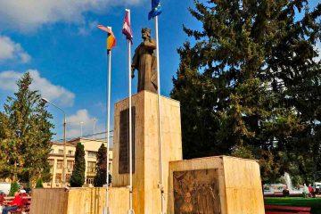 La mulți ani, Roman! La mulți ani, romașcani, astăzi, de ziua municipiului Roman!