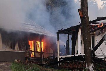 Incendiu la o casă monahală de la Mănăstirea Agapia