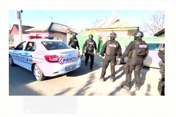 Petrecerile de Paște, de la Roman, Piatra Neamț și Moldoveni, sancționate de polițiști