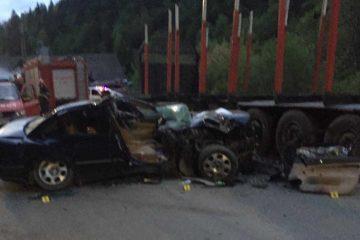Astăzi, în Neamț: accident mortal – un tânăr băut la volan a intrat cu autoturismul într-o semiremorcă