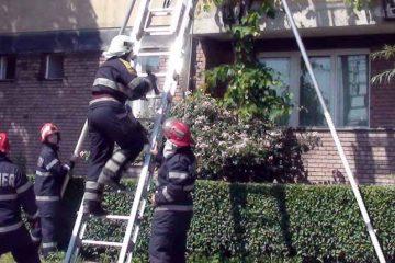 Femeie găsită decedată în apartamentul situat pe str. Mihai Viteazu, din Roman