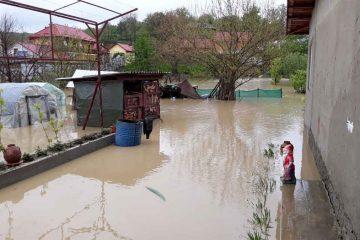 Furtună în Neamț: gospodării inundate – intervenții ISU
