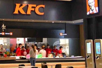 S-a deschis KFC la Centrul Comercial Roman Value Centre