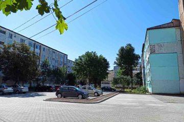 Primăria Roman organizează licitații pentru parcările de reședință