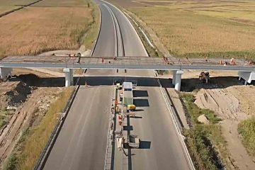 Video și foto: Primii kilometri din Autostrada A 7, din Moldova, încep să prindă contur