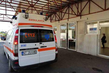 Intervenții Ambulanță: doua accidente rutiere cu trei victime